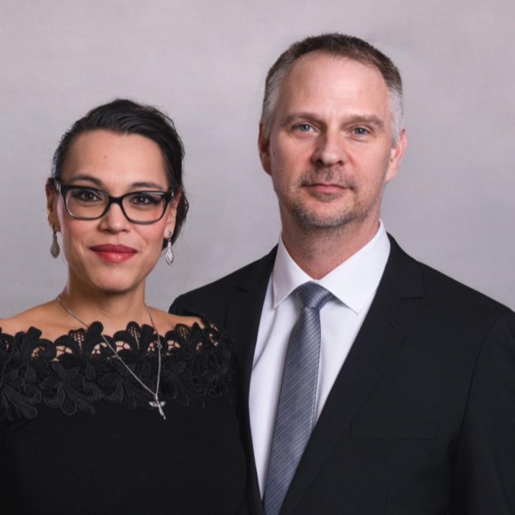 Finanzierungsberater Jennifer Bongé und Sascha Thieke