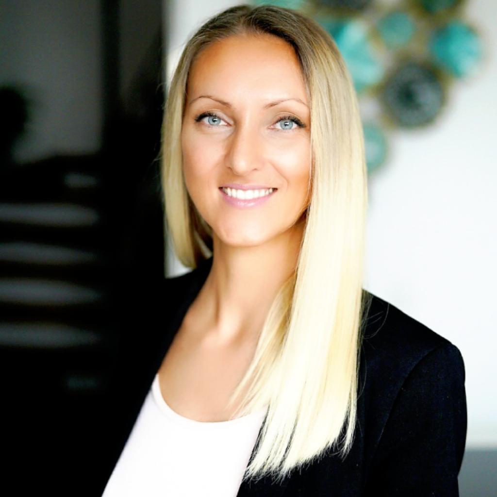 Finanzierungsberater Minela Hinzmann